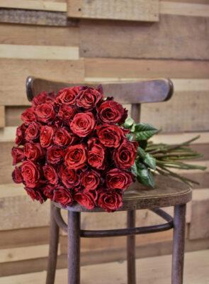 Kytice třiceti růží