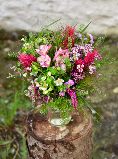 Střední růžová luční kytice