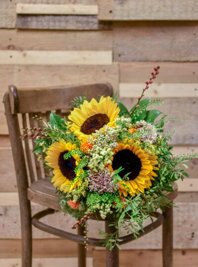 Střední kytice slunečnic