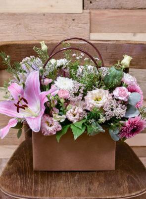 Taška růžových květů