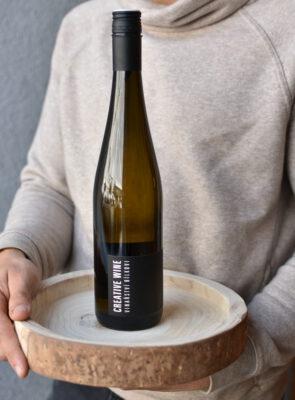 Creative wine bílé