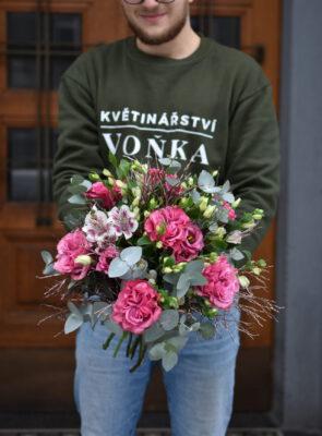 Obrovská zimní růžová kytice