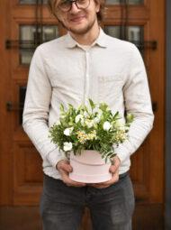 Malý bílý flowerbox