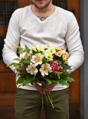Střední jarní trvanlivá kytice