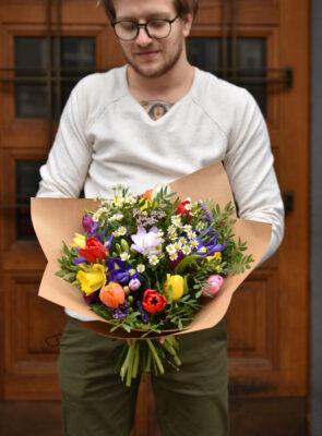Velká jarní kytice
